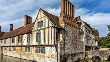 ightham-house-hero-spring